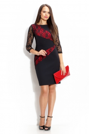 Dress with red beams covered with lace and lace sleeves