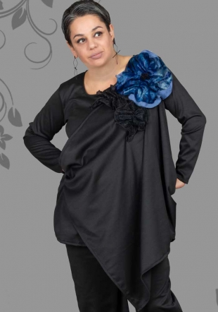 Set of ladies with tunic with flowers and pants ILINA Fashion
