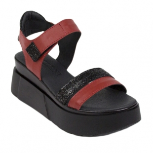 Women's platform sandals in black and red 21368