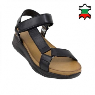 Women's sandals in black color with side strap 21339