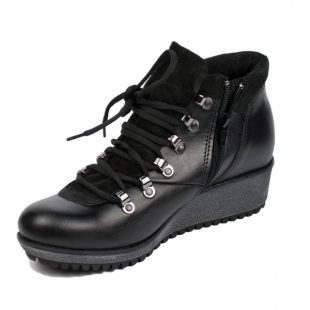 Women's black leather boots 20455
