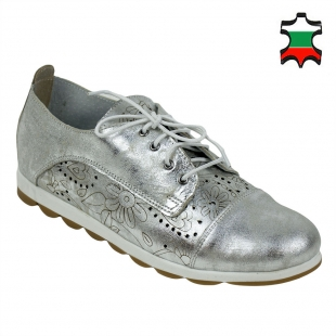Women's silver leather shoes with ties and flowers perforation