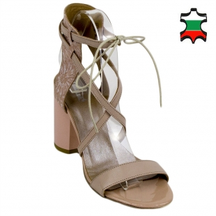 Women's pale pink leather sandals 33895