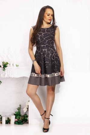 Evening dress in delicate print
