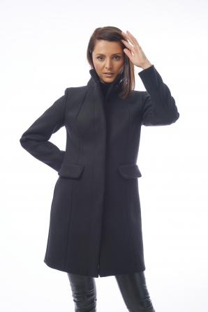 Elegant black wool coat and cashmere Radeks