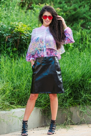 Black skirt imitation leather Avangard