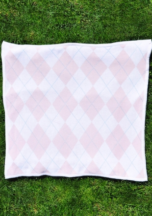 Diamond wooven blanket
