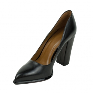 Women's black leather pointed shoes 32223