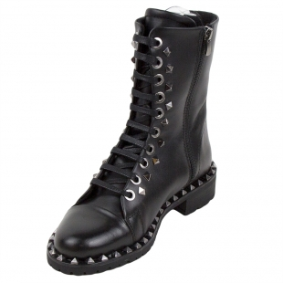 Ladies black boots embelished with studs 32821