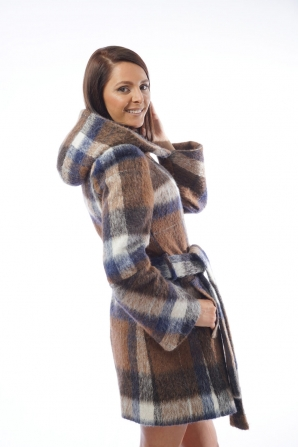 Women's short coat with belt and hood in plaid Radeks