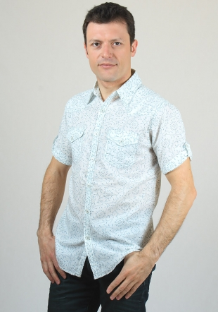 Short sleeve shirt with floral paterns