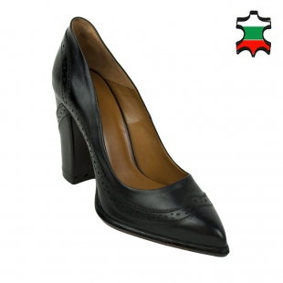 Women's black leather Oxford pointed shoes 32424