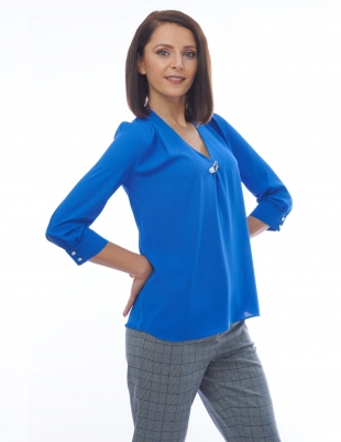 Women's blouse in aquamarine with brooch 81921-406
