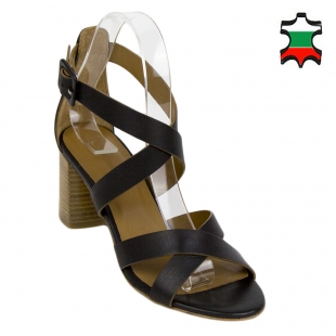 Women's black leather sandals with crossed straps 33734