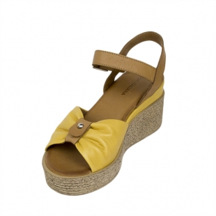 Women's sandals made of genuine leather in light brown and mustard colors 21341