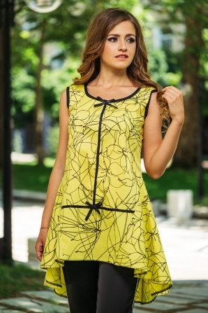 Women's yellow tunic with prolonged back in black flowers Avangard