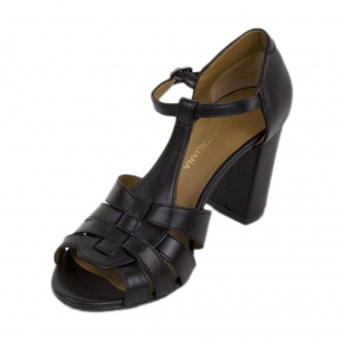 Women's balck leather sandals 19180