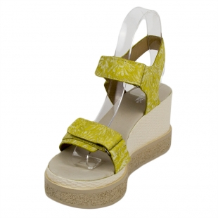 Women's yellow leather sandals with flowers print 33737