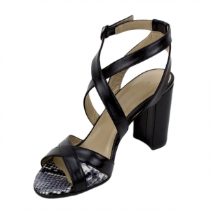 Women's sandals in black with elements in leather in print 21334