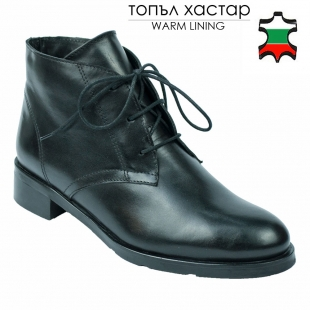 Women's black leather low boots with ties 32470