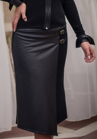 Woven skirt with artificial leather front Z13