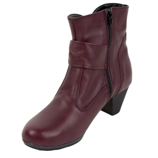 Elegant ladies boots with lamb fur lining 32813