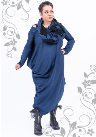 Maxi dress in blue tight material and scarf Ilina