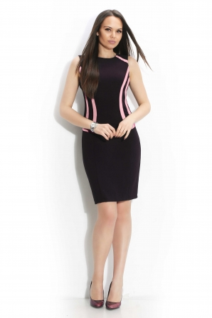 Women's black dress with edges in powder color
