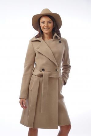 Elegant long coat with camel color belt Radeks