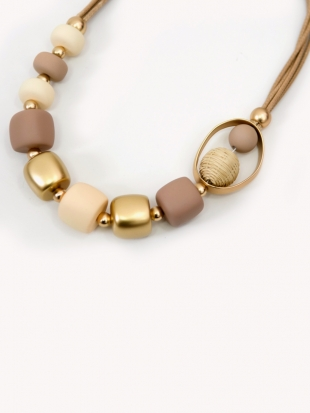 Women's necklace in light beige color 0385-1