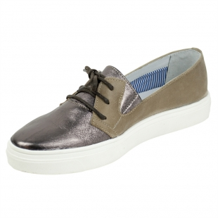 Women's taupe leather mocassins with glossy purple leather