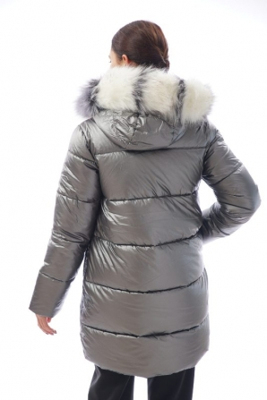 Women's fur coat in silver color with collar Radeks