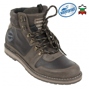 Men's leather boots with waterproof lining