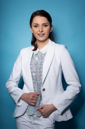 Women's jacket in white with gold button 42103-100